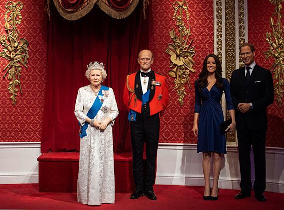 Bức tượng sáp Harry và Meghan không còn trong khu vực Hoàng gia. Ảnh: PA.