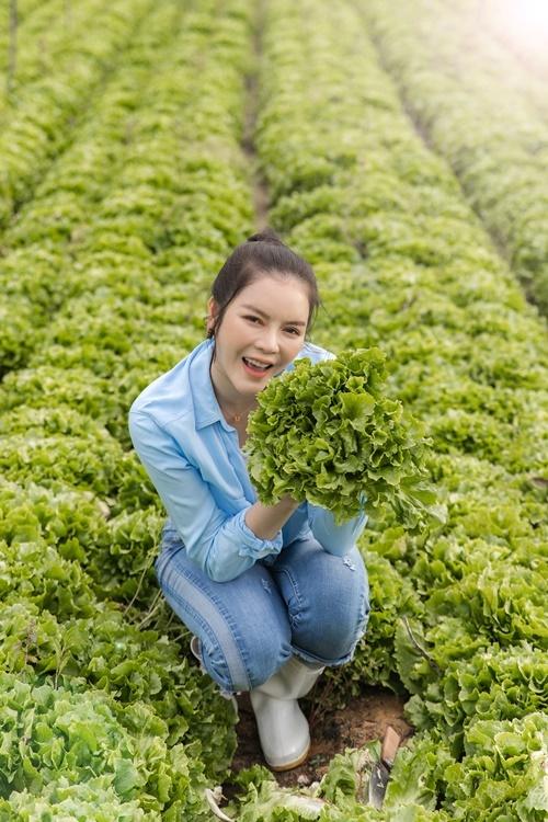 Cô ăn rau xà lách mỗi ngày để da sáng, dáng đẹp.