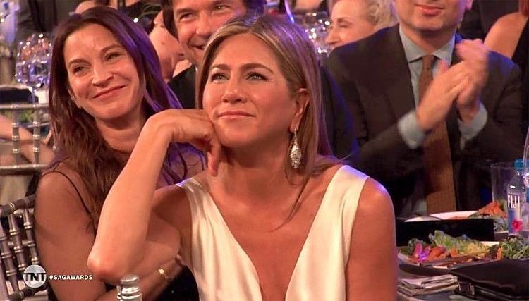 Khó đọc phản ứng của Jennifer trong khoảnh khắc này. Ảnh: TNT.