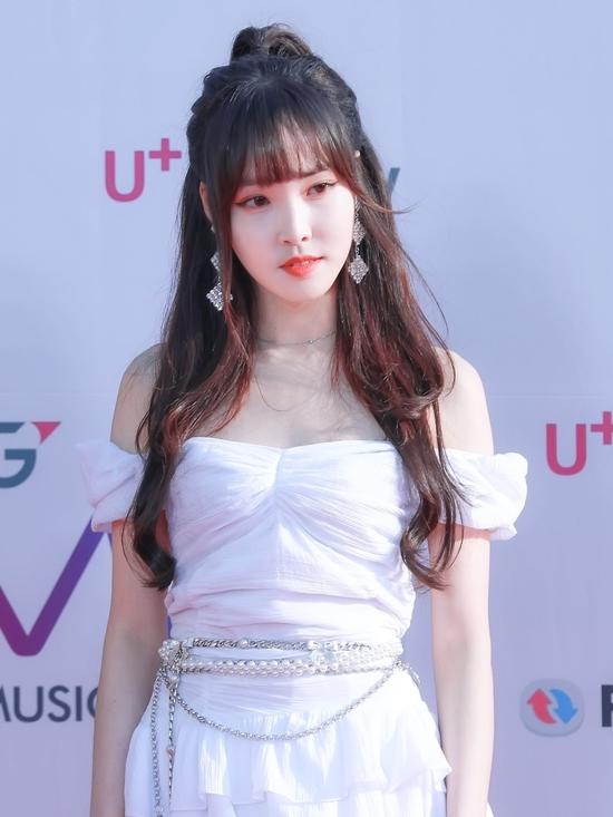 Yu Ju không có nhan sắc xinh đẹp hoàn hảo nhưng nét quý tộc, sang trọng của cô là điều không ai phủ nhận.