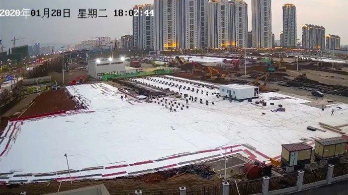 Những hình ảnh từ livestream xây dựng bệnh viện dã chiến ở Vũ Hán, Trung Quốc. Ảnh: South China Morning Post.