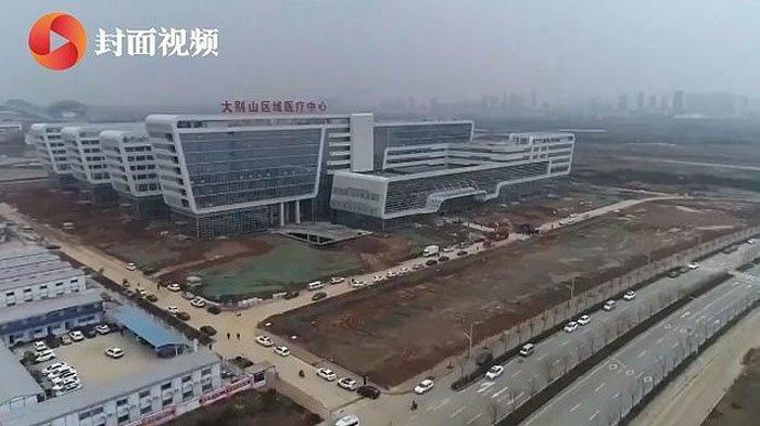 Những hình ảnh từ livestream xây dựng bệnh viện dã chiến ở Vũ Hán, Trung Quốc.