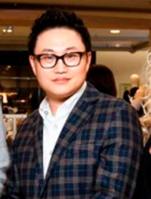 Lee Seung Chul.