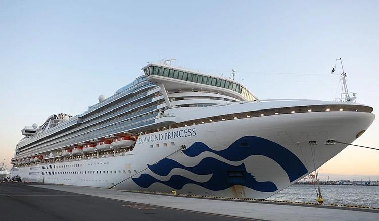 Tàu du lịch Diamond Princess được cách ly ngoài khơi bờ biển Yokohama, Nhật Bản, kể từ 3/2.