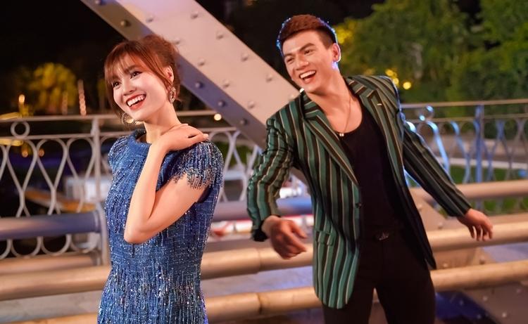 Hai diễn viên chính Lan Ngọc và Lê Xuân Tiền trong phim.
