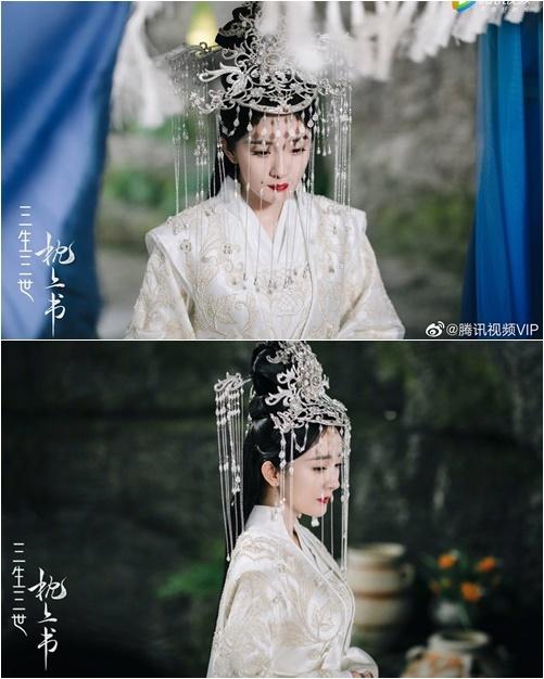 Bộ đồ cưới của Dương Mịch gây sốt vì quá đẹp.