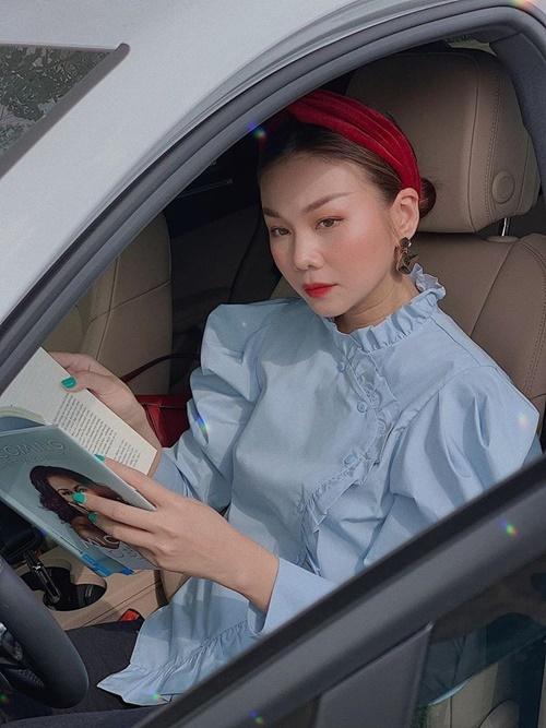 Nhớ ra 14/2 là dịp lễ tình nhân, Thanh Hằng khẳng định đây là hung tin. Cô đăng ảnh với cảm xúc buồn rười rượi.