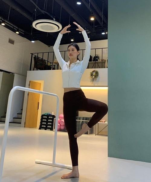 Kim Do Yeon chăm chỉ tập luyện giữ dáng.
