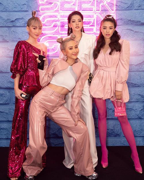 Họ đồng hành trong nhiều sự kiện giải trí với phong cách tông xuyệt tông mỗi khi xuất hiện. Vì đều làm trong lĩnh vực thời trang, bốn cô gái không ai thua kém khoản mix-match trang phục.
