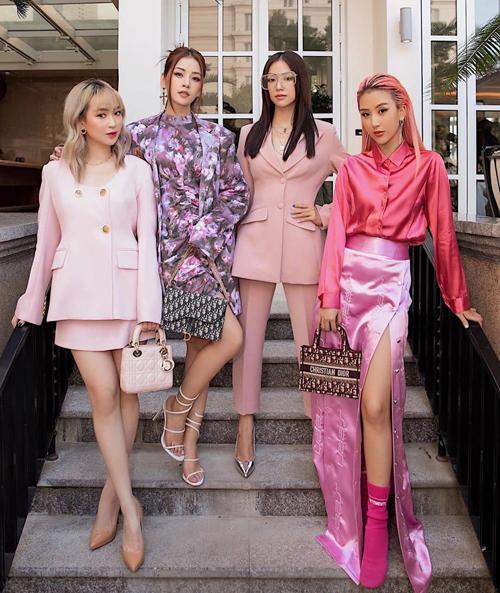 Hội chị em cùng mê mệt phong cách sang chảnh, cá tính, không ngại thử nghiệm những xu hướng thời trang mới mẻ và được nhiều cô gái Việt bắt chước theo.