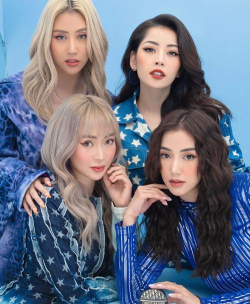 Trong nhóm, Sa Lim sinh năm 1992 là chị cả. Chi Pu, Sun Ht là bạn thân lâu năm và cùng sinh năm 1993. Quỳnh Anh Shyn là em út sinh năm 1996. Tuy nhiên bốn cô gái có nhan sắc và phong cách tương đồng.