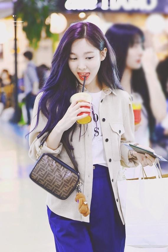 Phong cách thời trang chuẩn sinh viên đại học của Na Yeon (Twice) - 12