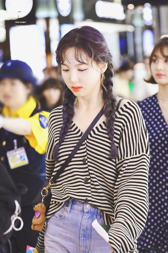 Phong cách thời trang chuẩn sinh viên đại học của Na Yeon (Twice) - 14