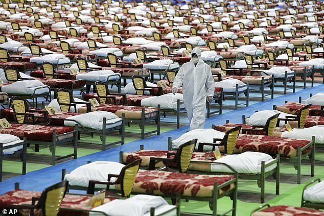 Bệnh viện tạm thời do quân đội Iran thành lập ở Tehran, Iran ngày 26/3. Ảnh: AP.