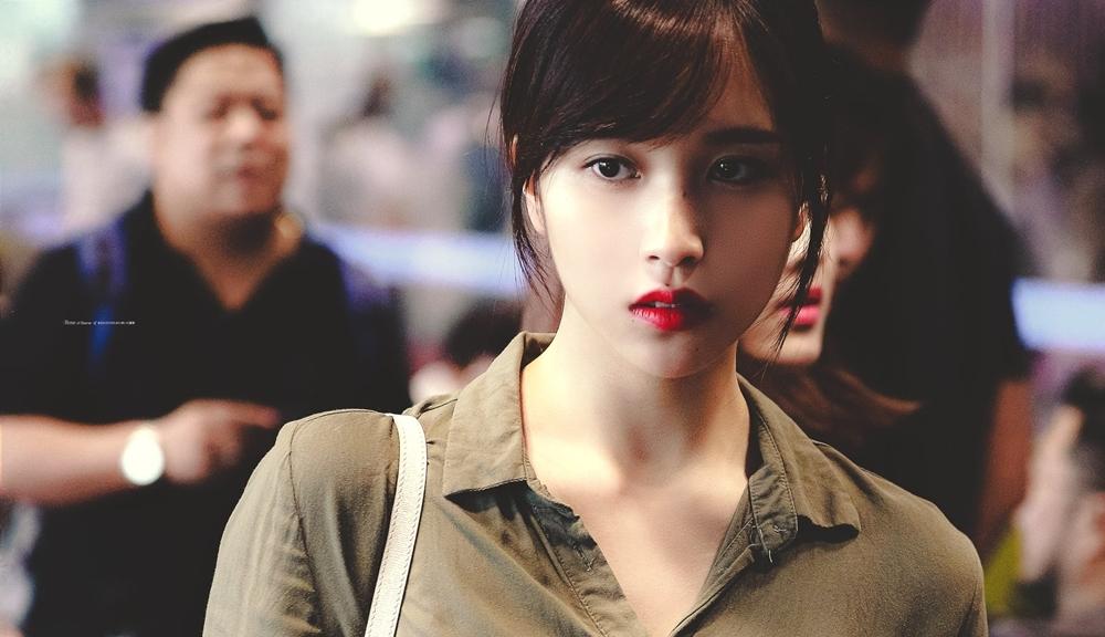 Chủ đề về Mina (Twice) đang nhận sự chú ý của netizen diễn đàn TheQoo. Người dùng mạng cho rằng Mina là idol nữ có vẻ đẹp buồn cuốn hút nhất Kpop.