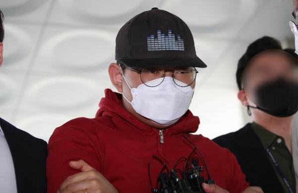Nghi phạm Moon, 24 tuổi, có biệt danh God God, vừa bị cảnh sát Hàn Quốc bắt với cáo buộc là người tạo ra phòng chat sex đầu tiên trên Telegram.
