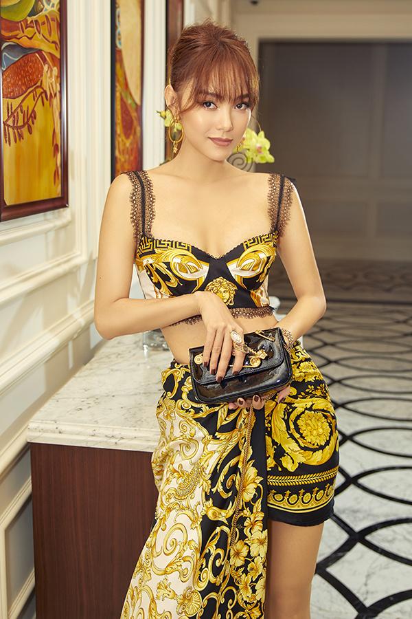 Không chỉ đảm nhận nhân vật chính - nhà thiết kế Quỳnh Lam - gái ế chính hiệu luôn cảm thấy bị phản bội khi bạn bè kết hôn,Minh Hằng còn giữ vai trò nhà đầu tư cho bộ phim.