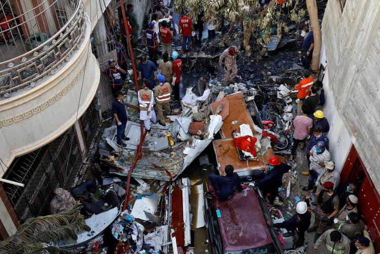 Một phát ngôn viên của PIA Abdullah Khan cho biết phi công đã báo về trục trặc kỹ thuật. Tuy nhiên các chuyên gia hàng không khẳng định cần thời gian để xác định nguyên nhân vụ việc.