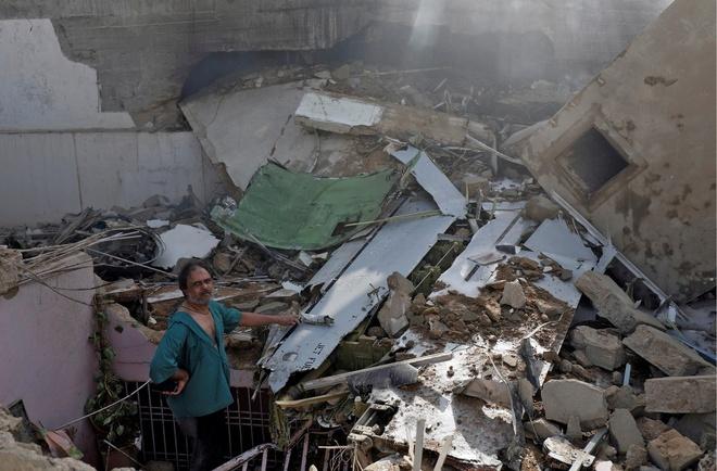 Nhân chứng tại hiện trường cho biết các bức tường của họ rung chuyển trước khi vụ nổ xảy ra lúc máy bay đâm sầm vào khu phố của họ. Đây là khu vực có nhiều người nghèo sinh sống.
