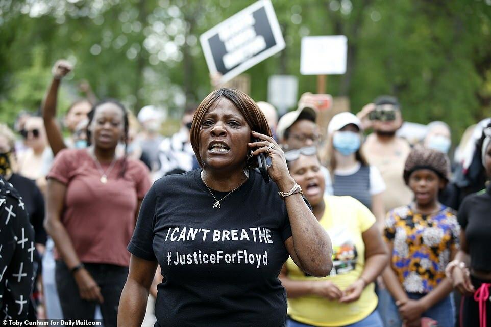 Những người đòi công lý cho Floyd.