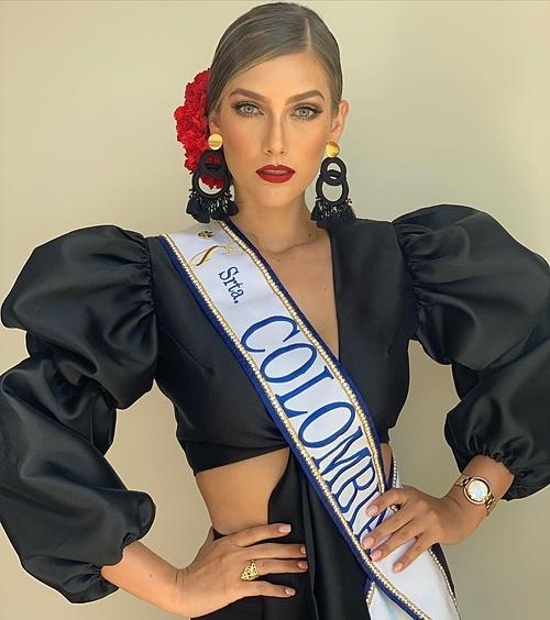 Các đại diện Colombia đều vào top 5 Miss Universe trong năm năm trở lại đây. Năm nay, cường quốc sắc đẹp gửi đến cuộc thi Maria Fernanda, 22 tuổi, cao 1,77 m. Người đẹp hiện là sinh viên ngành Truyền thông của Đại học Luis Amigo. Để duy trì vóc dáng, cô thường bơi, tập gym, chạy bộ. Nhan sắc của cô được nhận xét sắc sảo, quyến rũ hơn người tiền nhiệm Gabriela Tafur Nader.
