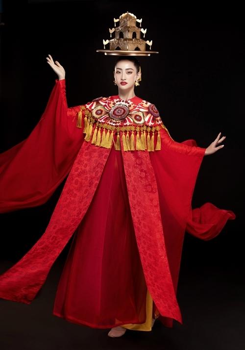 Trang phục và tạo hình của Lương Thùy Linh cho điệu múa mâm.