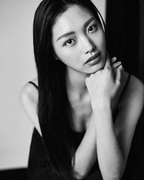 Thí sinh Trung Quốc bỏ thi Miss Charm.