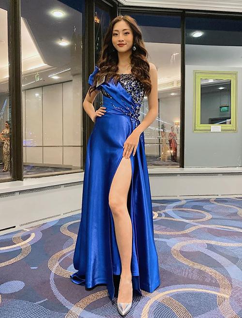 Trong hành trình 2 tuần tại Miss World 2019, Lương Thùy Linh đầu tư hàng chục bộ váy áo đến từ những nhà thiết kế nổi tiếng trong nước. Người đẹp có 4 tháng chuẩn bị để mang đến diện mạo ấn tượng nhất.