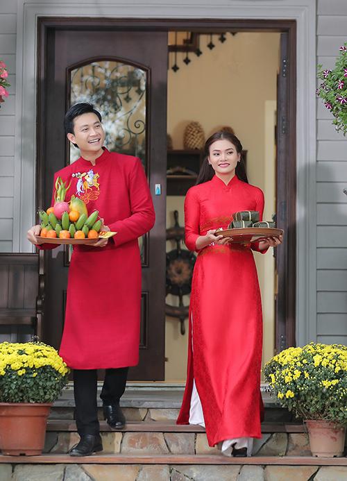 Phạm Phương Thảo tiếp tục mời người tình MV - diễn viên Tiến Lộc tham gia MV. Tuy nhiên, lần này anh không làm người yêu của Phạm Phương Thảo như các MV trước, mà đã đóng vai trò làm... chồng.
