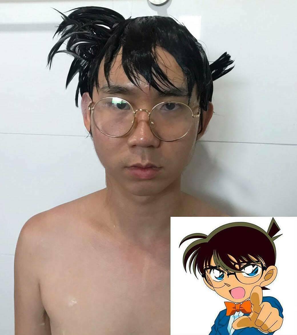 Chẳng cần đến 5 phút đã có thể biến hình thành cậu nhóc Conan.