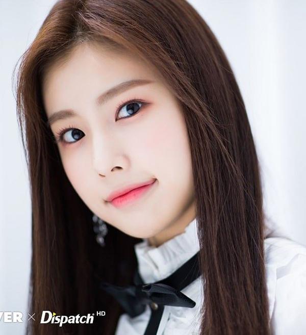 Hye Won để lông mày ngang khi còn là thực tập sinh.