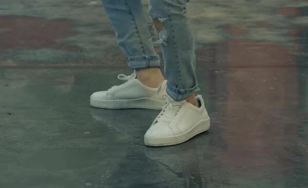 Fan cứng Kpop đoán MV chỉ qua... đôi giày (2) - 5