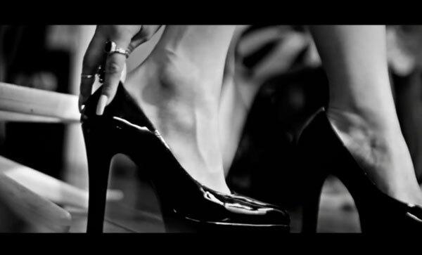 Fan cứng Kpop đoán MV chỉ qua... đôi giày (2) - 7