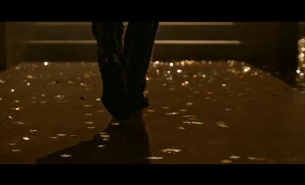 Fan cứng Kpop đoán MV chỉ qua... đôi giày (2) - 17