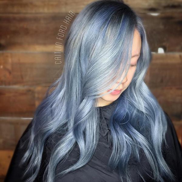 Tóc xanh khói mờ ảo phù hợp với những nàng theo đuổi phong cáchaesthetic