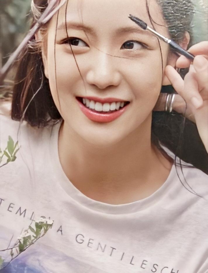 Ji Soo (Black Pink) được ví tình đầu quốc dân trong loạt ảnh mới - 6