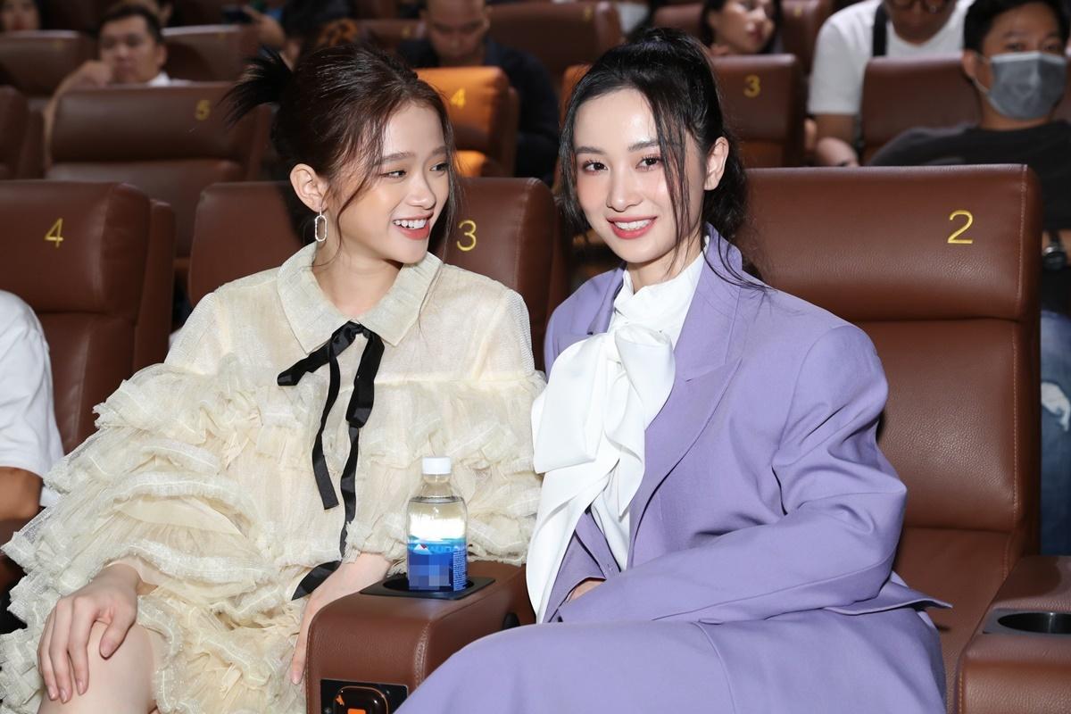 Linh Ka đến sự kiện cùng Jun Vũ.