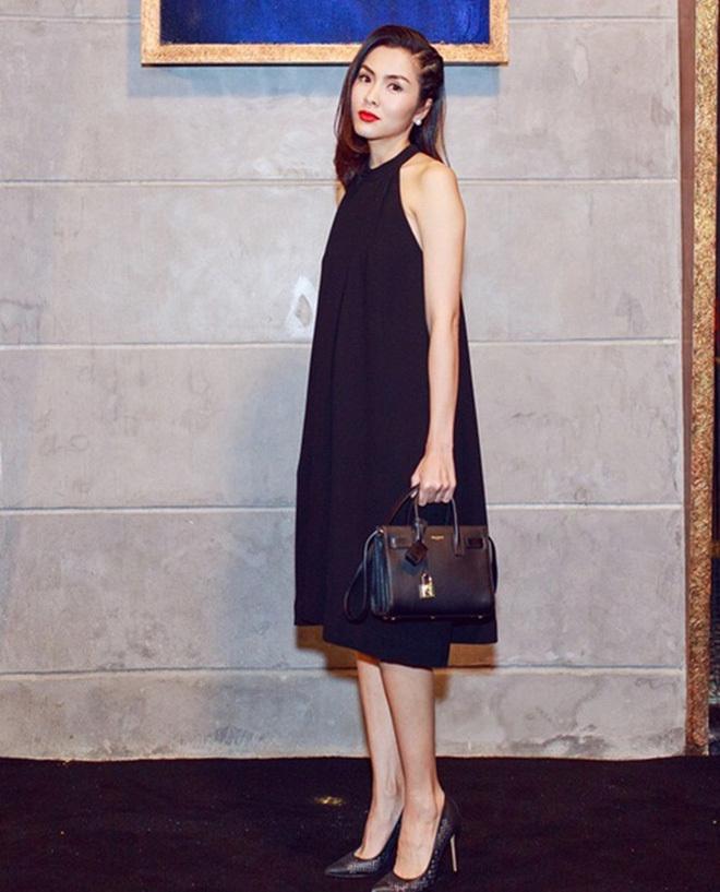 Hà Tăng lúc bầu bí vẫn diện giày gót nhọn để vóc dáng thanh thoát hơn khi mặc váy suông rộng.
