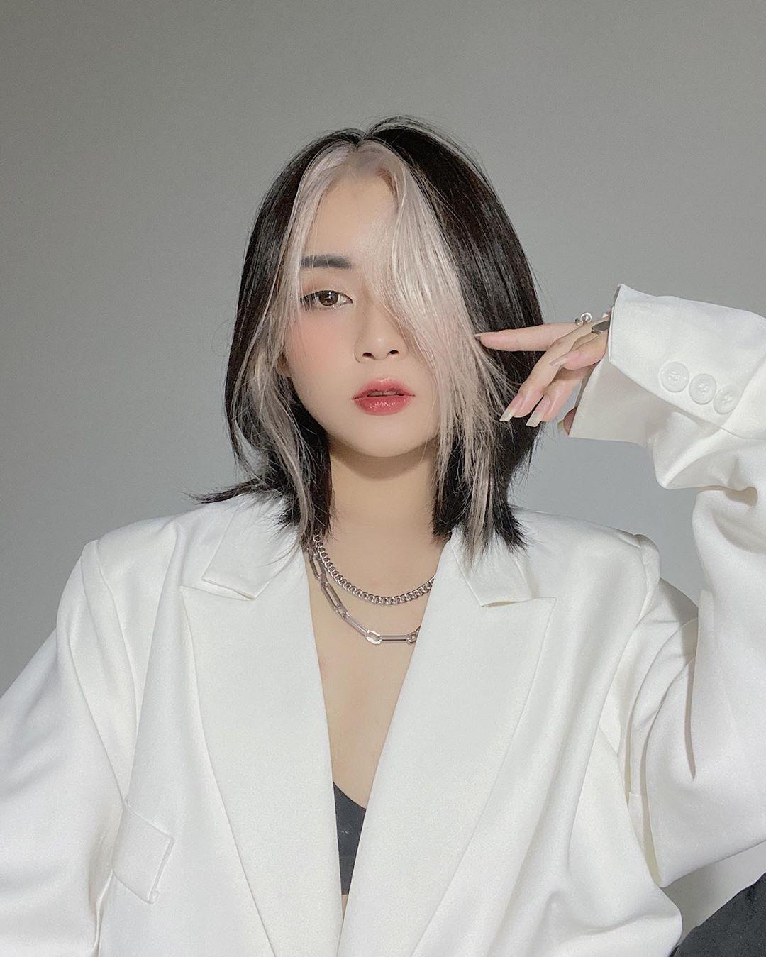 Nhiều cô gái Việt cũng đã nhanh tay thử nghiệm trào lưu hot. Hot girl Nghi Gia Ngô nhận được nhiều lời khen vì diện mạo chất chơi với kiểu tóc mới toanh.