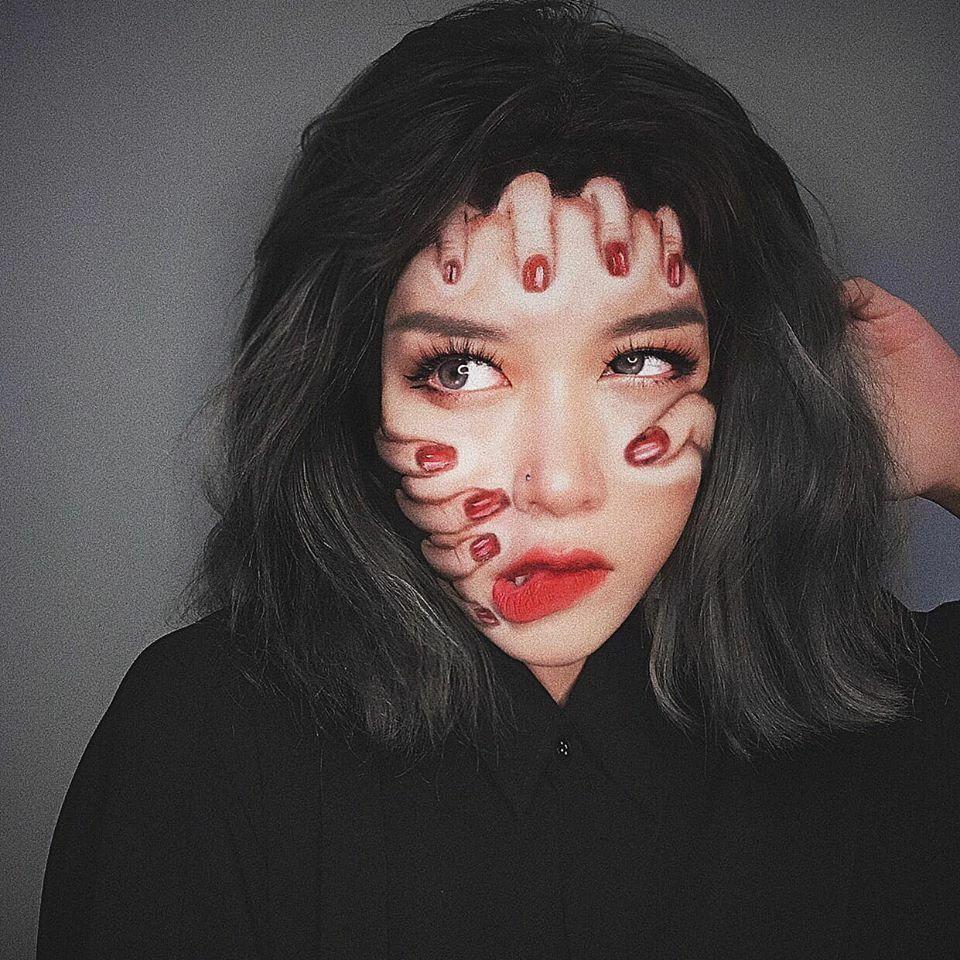 Hoa Trang với tài họa mặt đánh lừa thị giác.