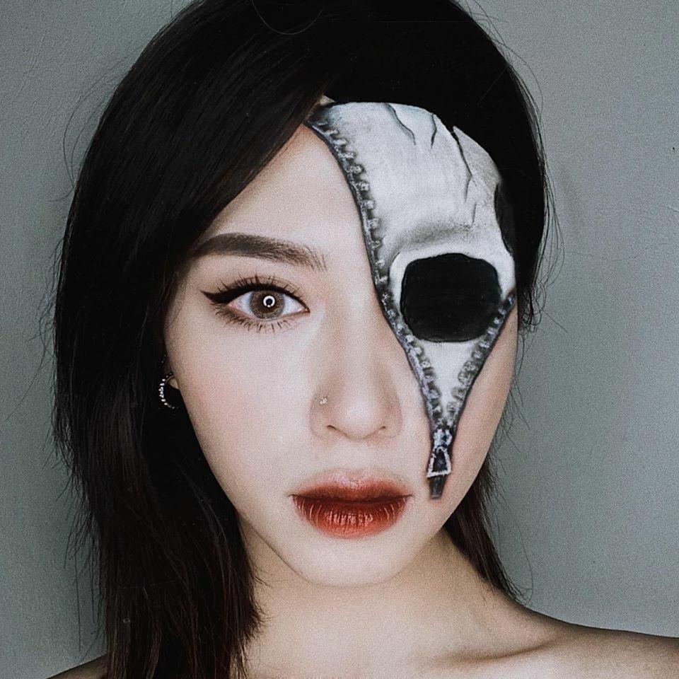Một tác phẩm họa mặt của Hoa Trang.