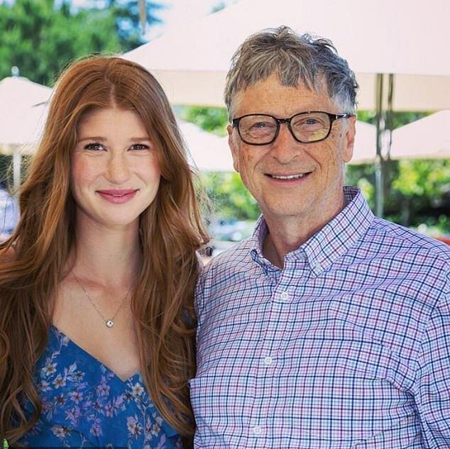 Jennifer bên cha tỷ phú, Bill Gates. Ảnh: Instagram.
