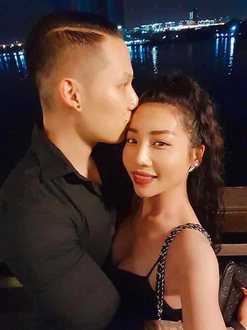 Hằng BingBoong và bạn trai Việt kiều.