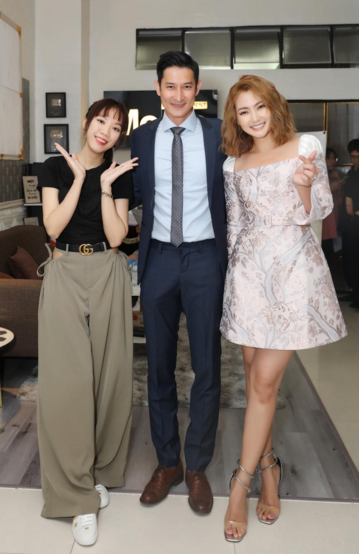 Luk Vân mời hai diễn viên Huy Khánh và Ngọc Lan chấm thi ở vòng này.
