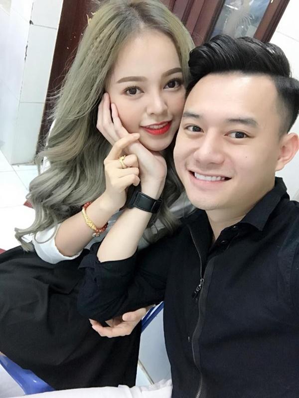 Trước khi vướng tin hẹn hò Trương Ngọc Ánh, Anh Dũng từng công khai bạn gái vào năm 2017 nhưng cả hai đã chia tay. Sau đổ vỡ tình cảm, Anh Dũng vào Nam lập nghiệp.