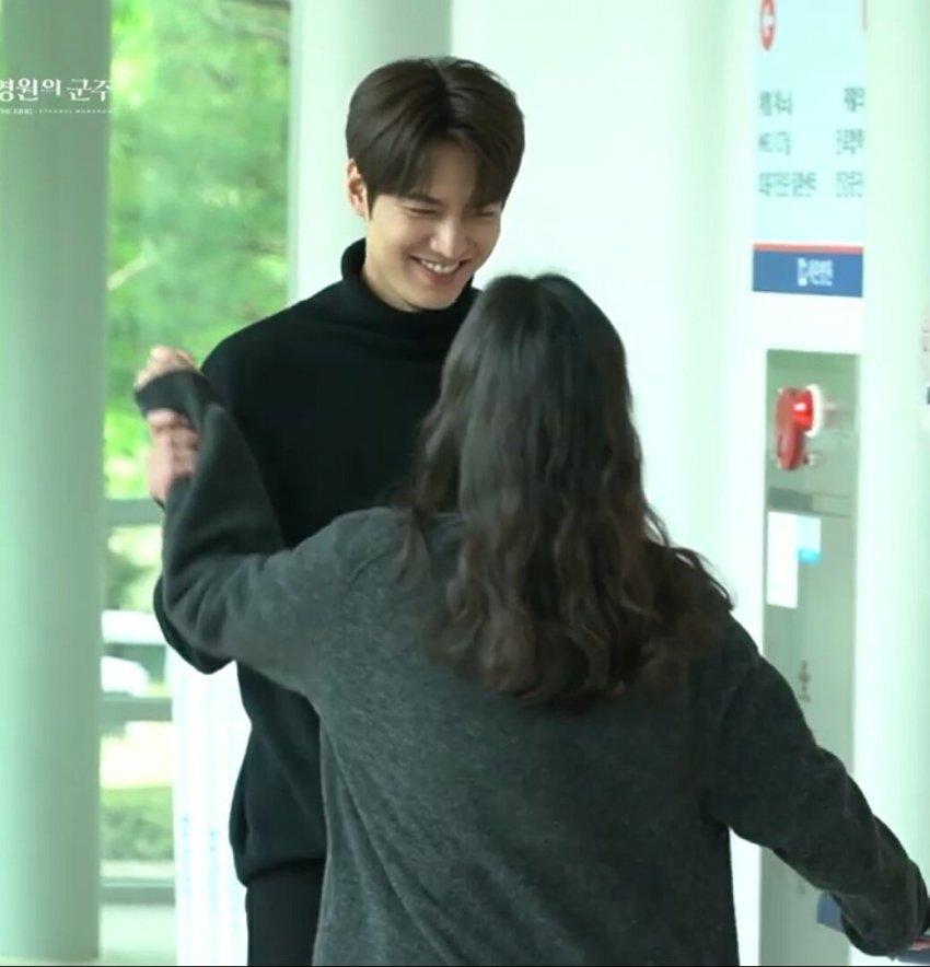Rộ loạt bằng chứng hẹn hò của Lee Min Ho - Kim Go Eun - 4