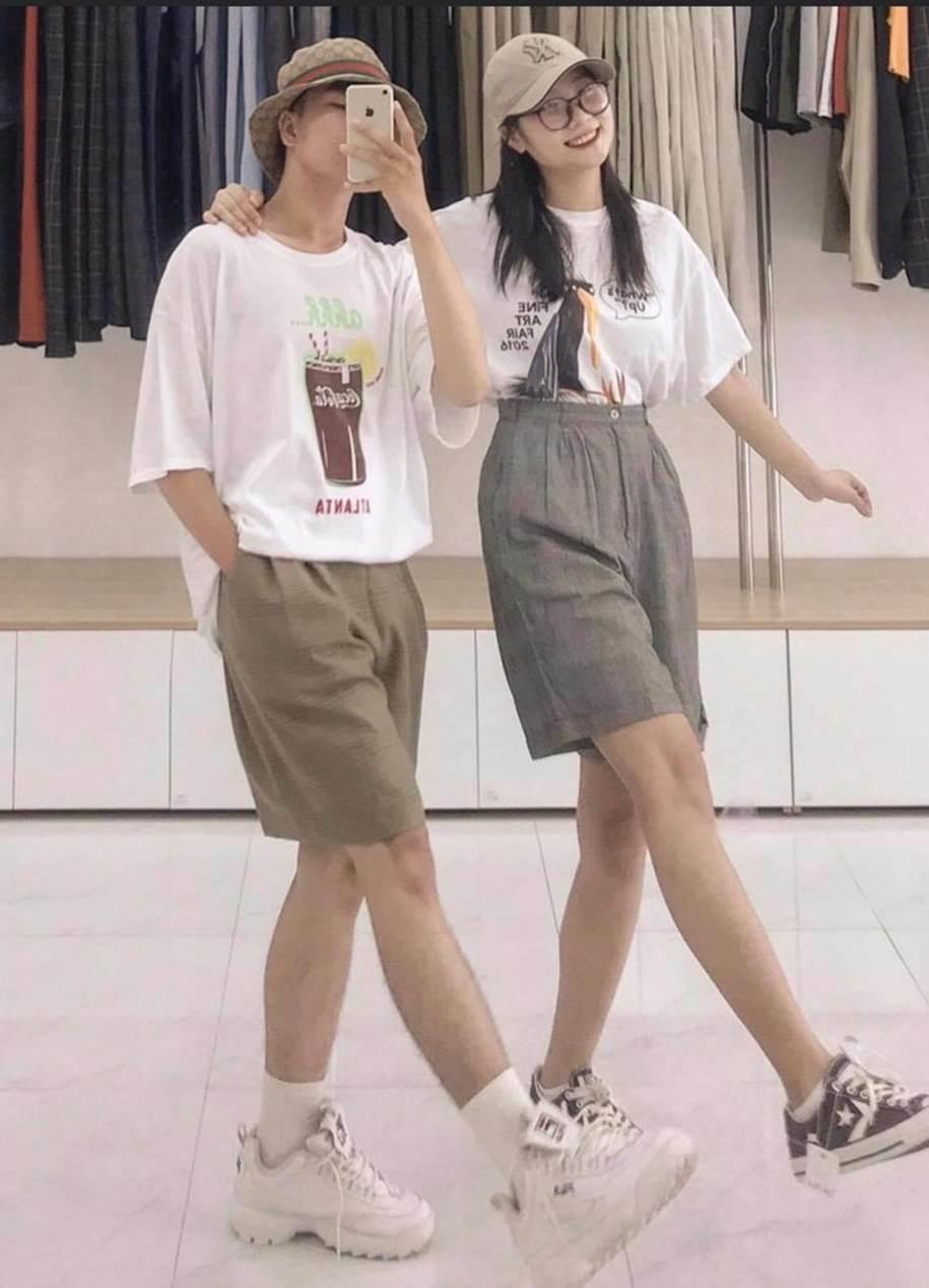 Nhờ tính ứng dụng và thời trang, áo thun unisex luôn được giới trẻ ưu tiên sử dụng, đặc biệt là các loại áo thun nhập từ Mỹ và Úc.
