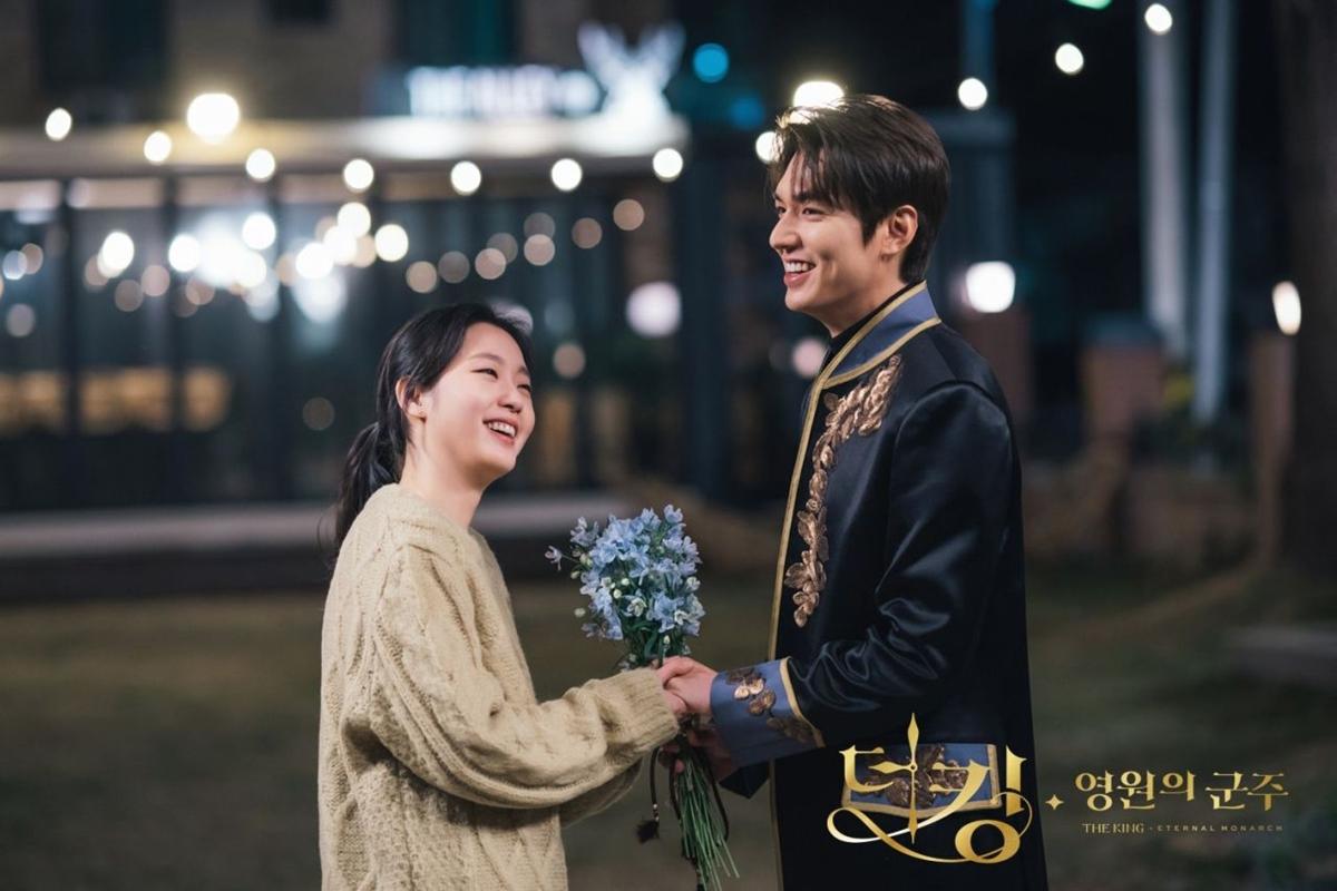 Kim Go Eun và Lee Min Ho được ủng hộ thành đôi sau khi Quân vương bất diệt kết thúc.