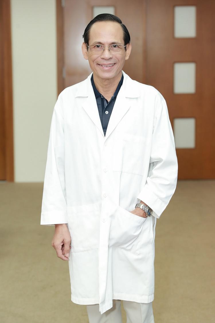 Giáo sư Tiến sĩ Hoàng Tử Hùng đảm nhận vị trí giám khảo nhân trắc học.