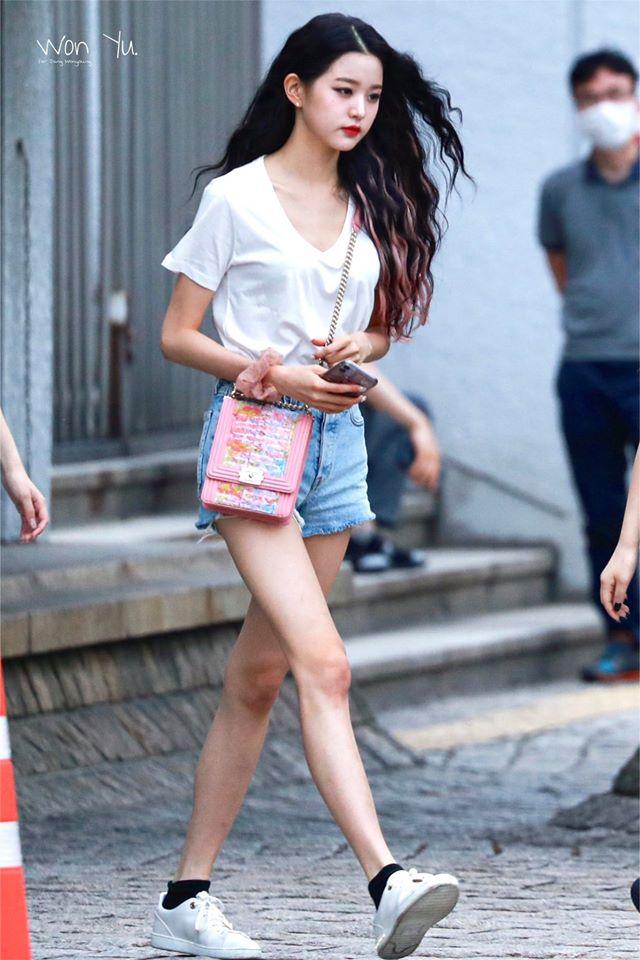 Rosé - Jang Won Young: Hình thể chuẩn hay chỉ còn là da bọc xương